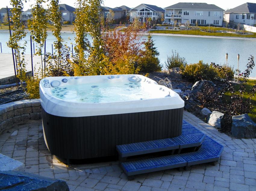 Jacuzzi Hot Tubs - Top Rated Jacuzzi Hot Tub | Portable Spas